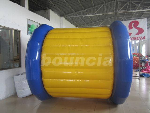 PVC Tarpaulin Inflatable Water Roller WR12 Untuk Olah Raga Air Outdoor