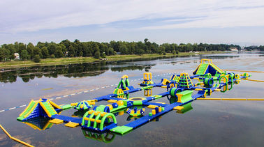 Cina Inflatable Floating Water Sports Theme Park / Water Splash Park Installed In Milano pabrik