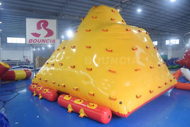Cina Water Park Floating Water Iceberg For Climbing And Sliding pabrik