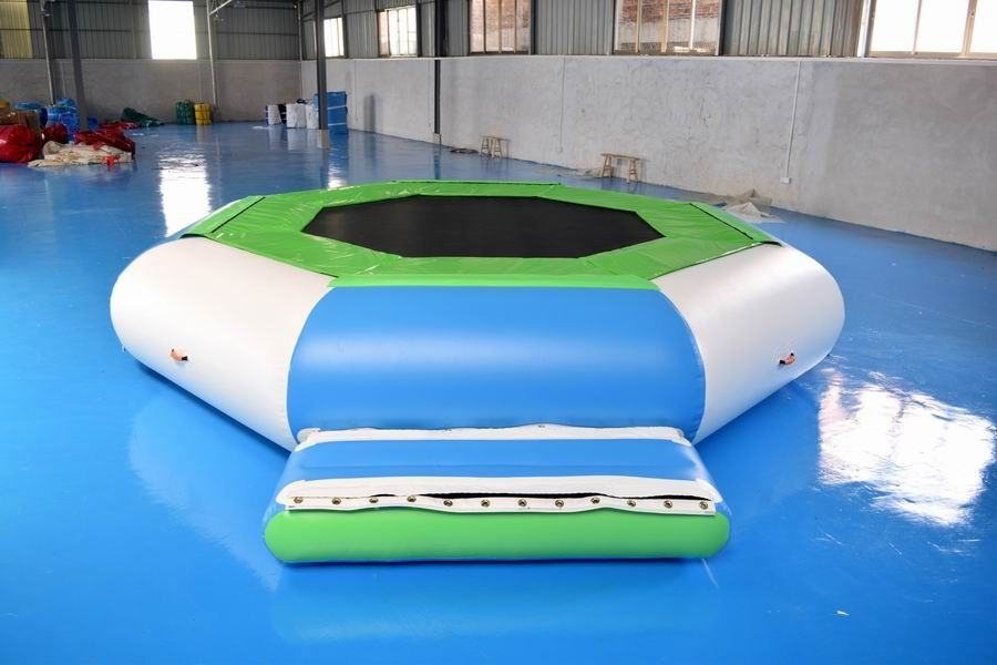 Water Trampoline Combo , Inflatable Water Trampoline With Slide For Fun pemasok