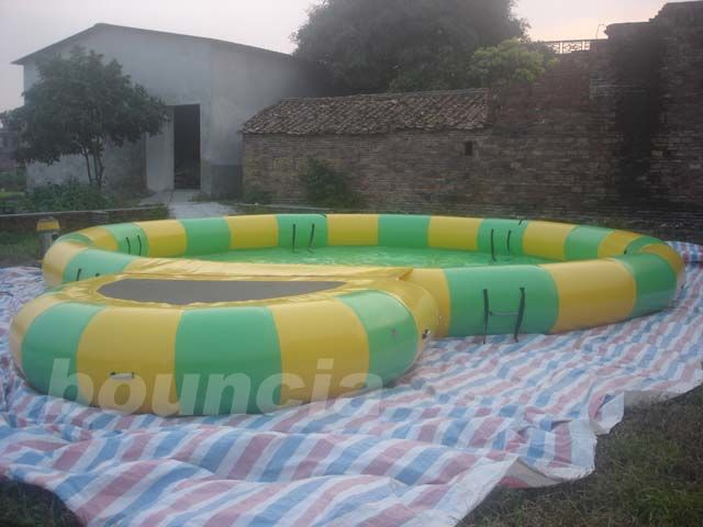 Round Inflatable Water Pool With Platform Foe Water Roller pemasok