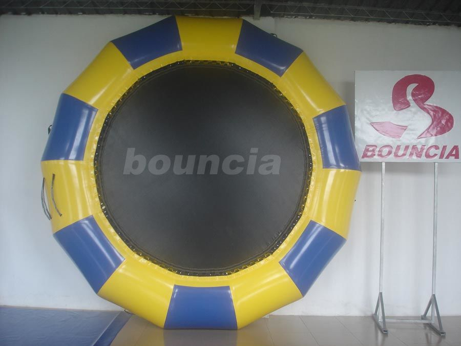 Professional Made Fabric Inflatable Water Trampoline for Water Park pemasok