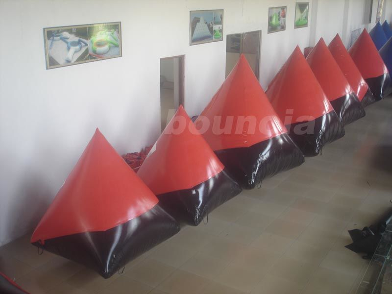 Red 0.6mm/0.9mm inflatable doritos shape air bunker for commercial use pemasok